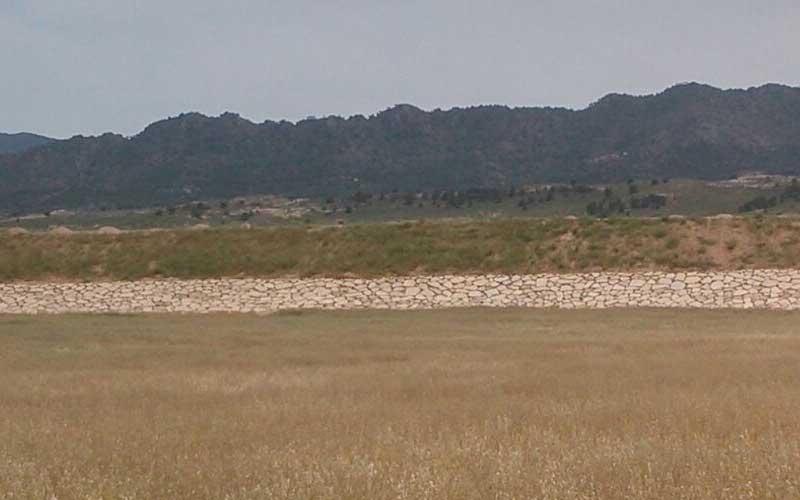 Realización de muro de escollera en Yecla (Murcia)